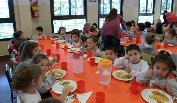 Colegio ward colegio ward la mesa est servida for Mesas comedor colegio